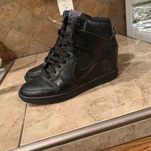 Nike women dunk sky hi black snake print leather